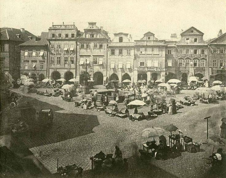 Uhelný trh s domy s barokní fasádou