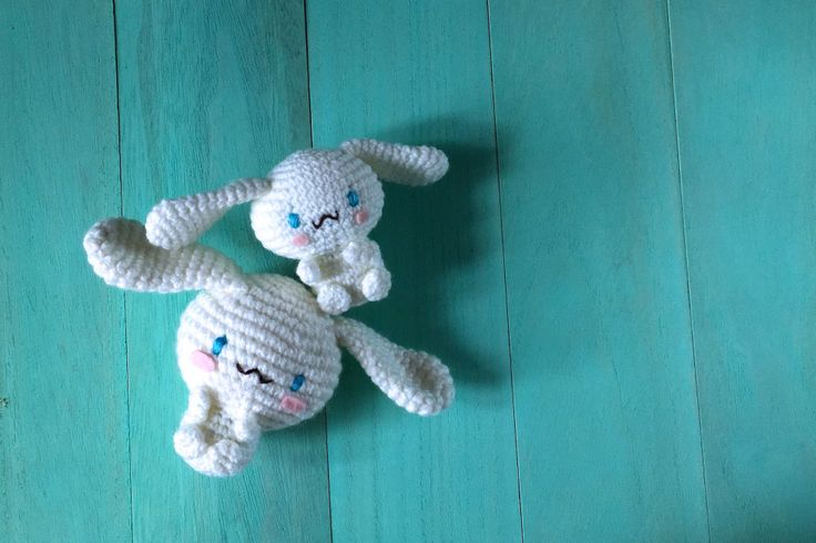 The long-awaited Cinnamoroll pattern is here! Many of you have asked about this character, which made an appearance in the Welcome to Sanrio Land! page in the Hello Kitty Crochet book. Cinnamoroll …