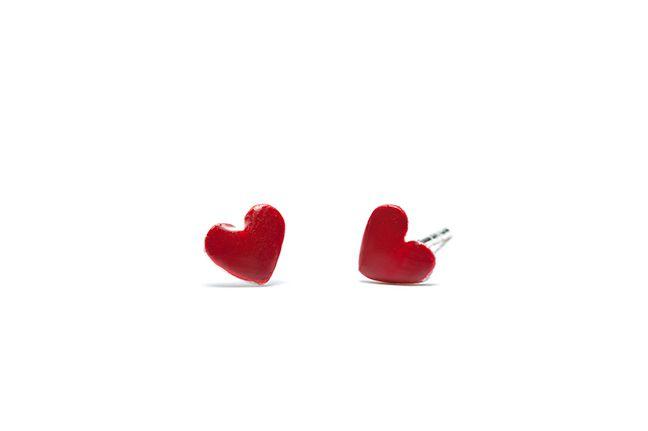 Boucles d'oreilles Cupidon, un petit cœur plein d'amour.