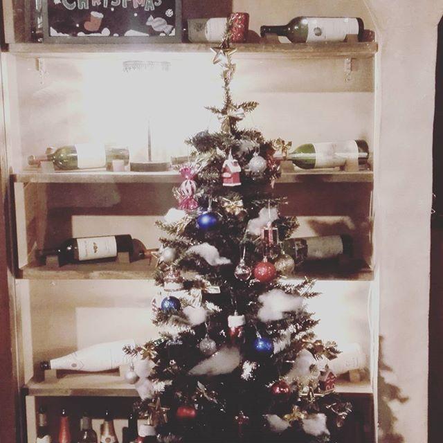 年末年始の休業日のお知らせ 12/31、1/1はお休みを頂きます。 1/2(火)より、元気に通常営業いたします❗ 残り2017年、来る2018年もよろしくお願いいたします。  今月の企画『 クリスマス 忘年会 お誕生日月はワイン1000円OFF』  #followme#instagood#倉敷マルシェ#グローバルダイニング倉敷マルシェ#ピザ#生パスタ#肉#ワイン#バル#女子会#誕生日会#倉敷#オシャレ#ボジョレー 「グローバルダイニング倉敷マルシェ」 倉敷市阿知2-5-10 TEL086-486-3925 営業時間17:30-24:00 LO23:30 定休日 月曜日