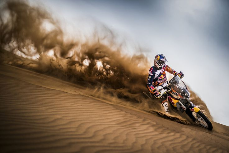 Toby Price stirs up some sand by Red Bull Photography #xemtvhay