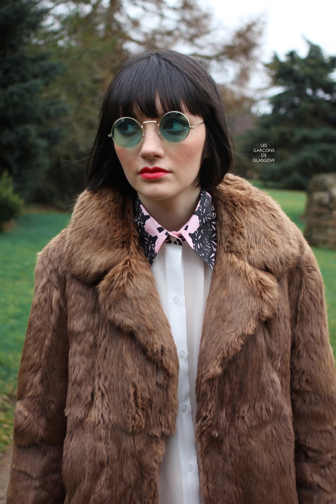 Dundee Street Style - well Dundee Botanical Gardens Style to be exact - Lily is wearing  a Beaulah silk shirt with hand printed collar - another great street style fashion shot from Garcons de Glasgow!