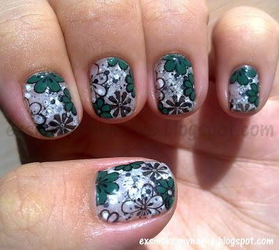 Моите мании. My obsessions: Oriflame Very Me Dot It Balck and White and stamping decals with Konad image plate m100.