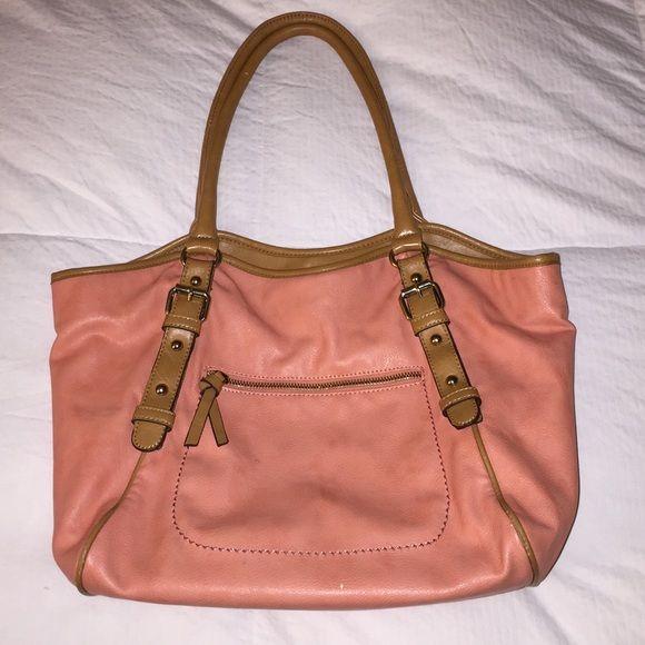 ALDO Purse Handbag Beautiful Color ALDO Purse Handbag Beautiful Color! Great condition. Selling for less on Ⓜ️ercari - just inquire ALDO Bags