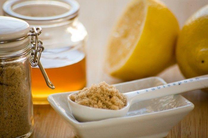 Maschere al miele e zucchero per il viso: ecco come farla in casa