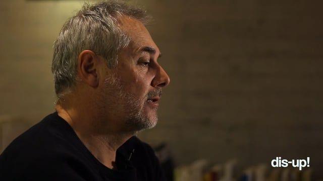 El fundador de dis-up!, Álvaro Sáez, conversa con Mathias Klotz, uno de los arquitectos más influyentes en la personalidad de la vivienda unifamiliar contemporánea de latino américa