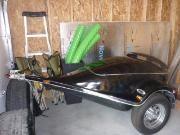 remorque pour traileur de moto presque neuf en forme de goutte d'eau aileron lumière au led, mag chromé,  Lumière intérieur, support pour glacière, prise 12 volts