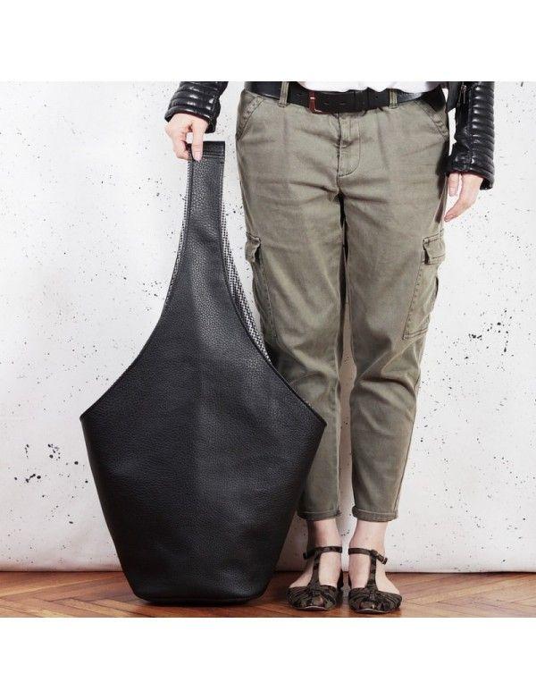 Černá handmade originální kabelka Short boogie bag z eko kůže