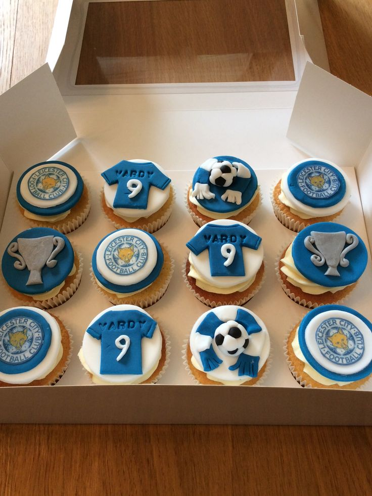 ... cakes on Pinterest  Olaf birthday cake, Manchester united cake and