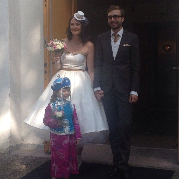 Wedding! Dress, hat and handkerchief made by Tegelsten Clothes (på/i Västra Tunhems Kyrka)