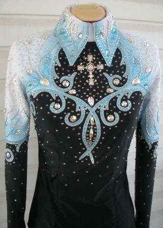 Horsemanship shirts - WINNING STITCHES shirt has white suede yokes with blue ultrasuede trim then airbrushed.