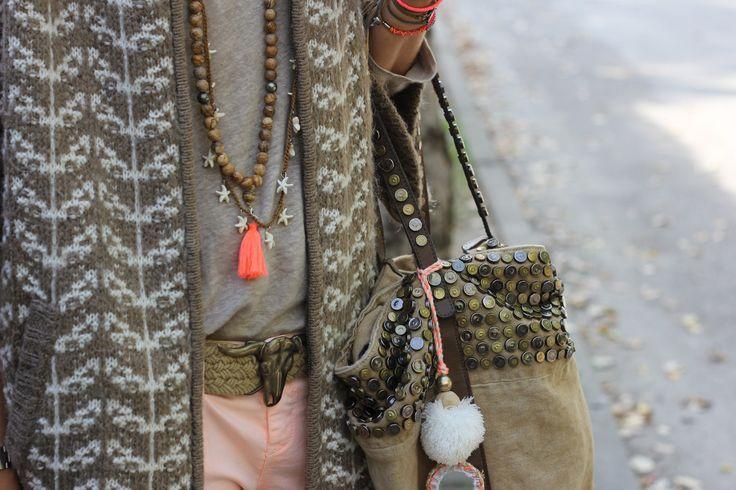 cardigan & t- shirt: Zara necklaces: Belao belt: Mytenida. handbag: El Corte Inglés. bracelets: Isha Kandisha, Oysho, Ese0ese.