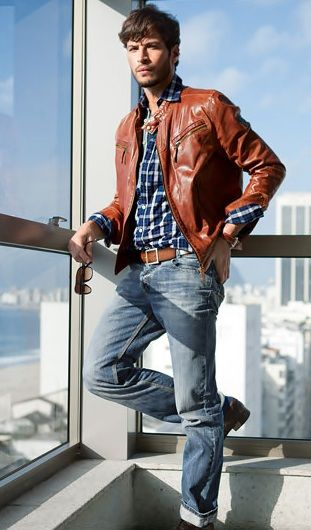Brown leather jacket. Jeans.  Checked shirt. Leandro Lima