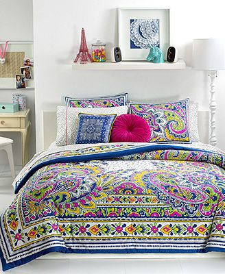 Teen Vogue Pret-A-Paisley Comforter Sets. I want soo much!