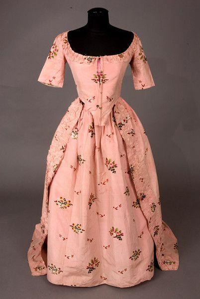 :: La mode au 18ème siècle !