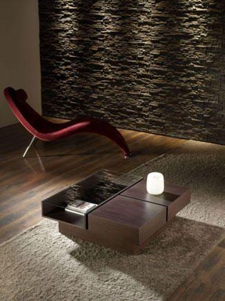 Elegante mueble auxiliar o mesa central en oscuro