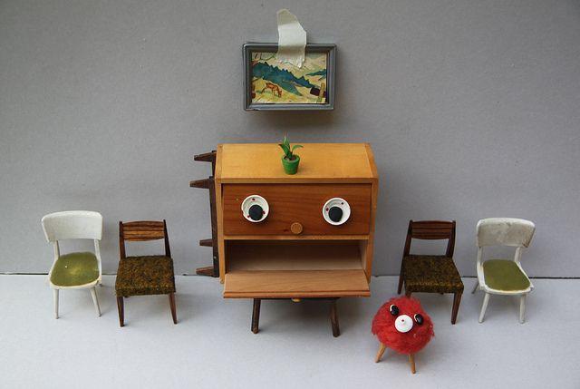 Carl Cupboard has a red pet: Furniture Faces, Kids Inspirations, Smile Inspirations, Cosas Minis, Miniature, Mini Furniture