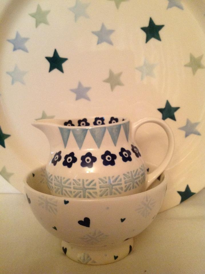 Cake plate in WInter Stars and a specials bowl and jug