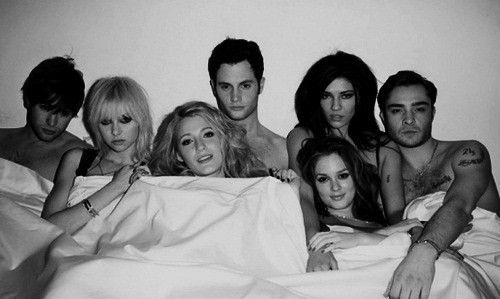 The entire Gossip Girl Cast filming their last episode ever in NYC in 10/12