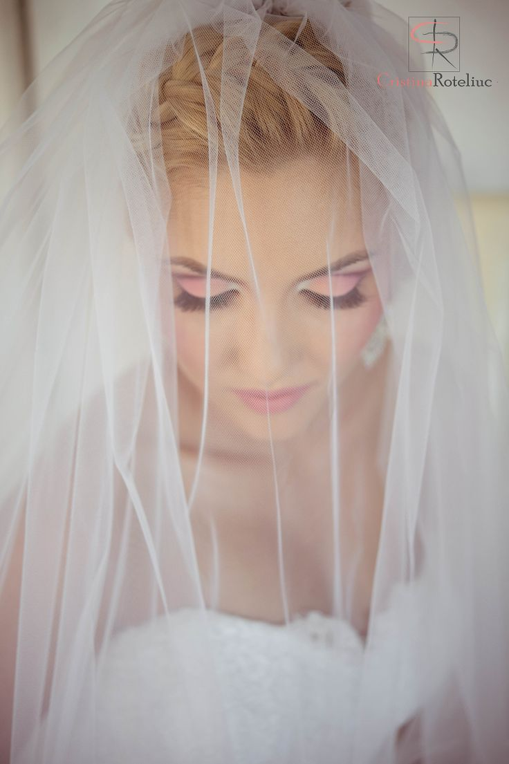 Gorgeus bride www.cristinaroteliuc.com