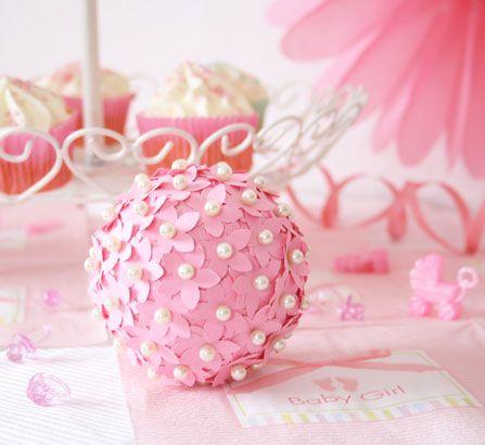 elegante blumenkugel pomander ball selber basteln babyparty pinterest blumenkugel. Black Bedroom Furniture Sets. Home Design Ideas