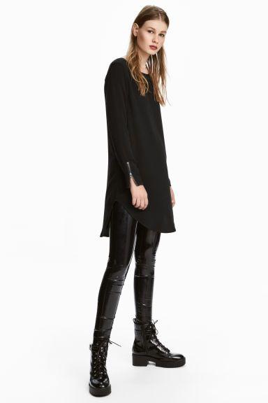 Krátké viskózové šaty - Černá - ŽENY | H&M CZ