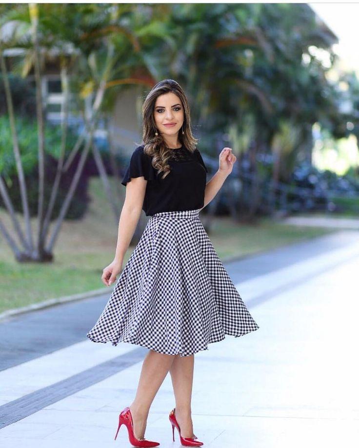 """74 curtidas, 1 comentários - Flos Carmeli Moda Feminina (@floscarmelimodafeminina) no Instagram: """"Mais um look lindo com nossa saia xadrez Vichy... estamos apaixonadas por ela por isso vale…"""""""