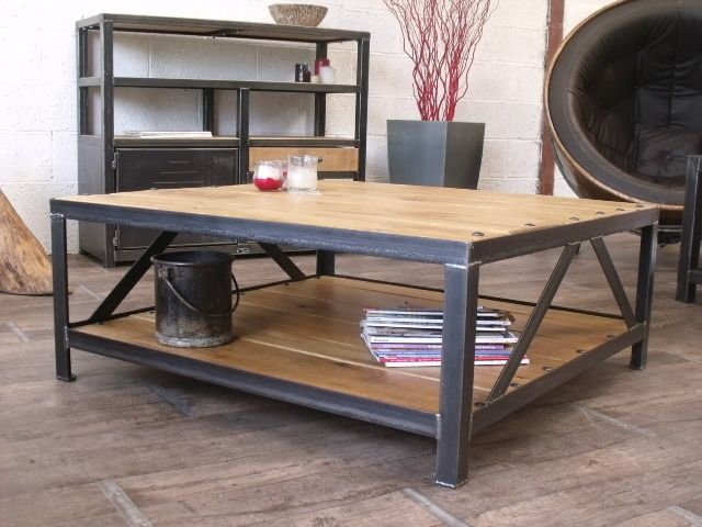 Table basse carr industrielle bois m tal style metals for Table basse roulette industrielle