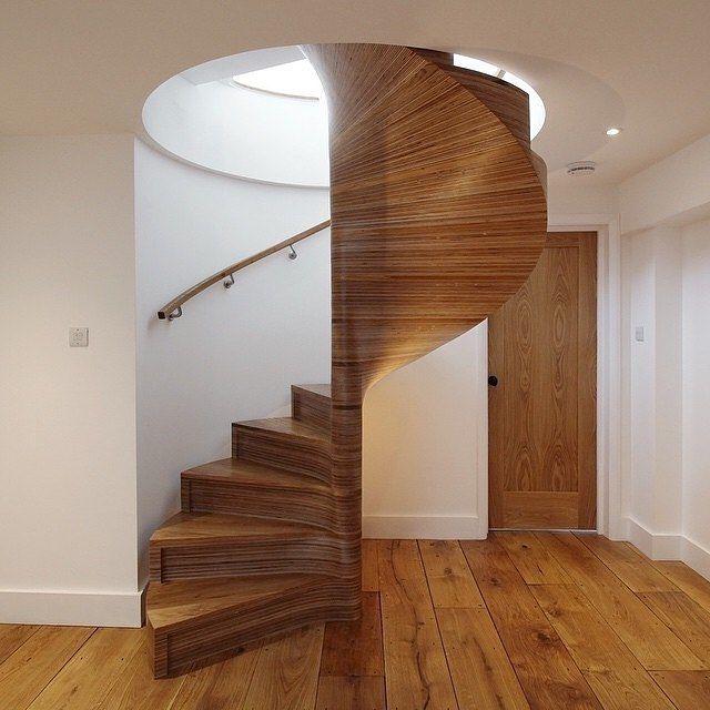 #repost ➡️Wound up this #spiralstaircase last week. #Laminated #birchplywood & #oak, with #bentlamination oak handrail. #alltheglue #spiralstairs #spiral #staircase  #woodwork #woodworking #joinery #carpentry #steambending #arbortech #handmade #bespoke #archictectural #strata #contours #curves #design #madeinlondon #Cordycept ™@cordycept
