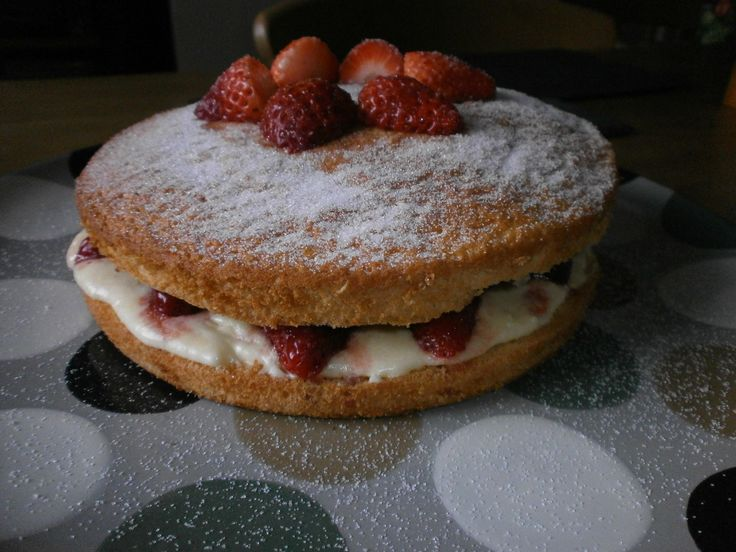 Low Fat Cake Recipes Uk: Harry Eastwood Low Fat Victoria Sponge Recipe