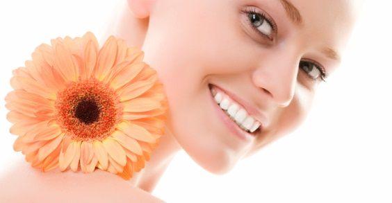 10 rimedi naturali per sbiancare i denti