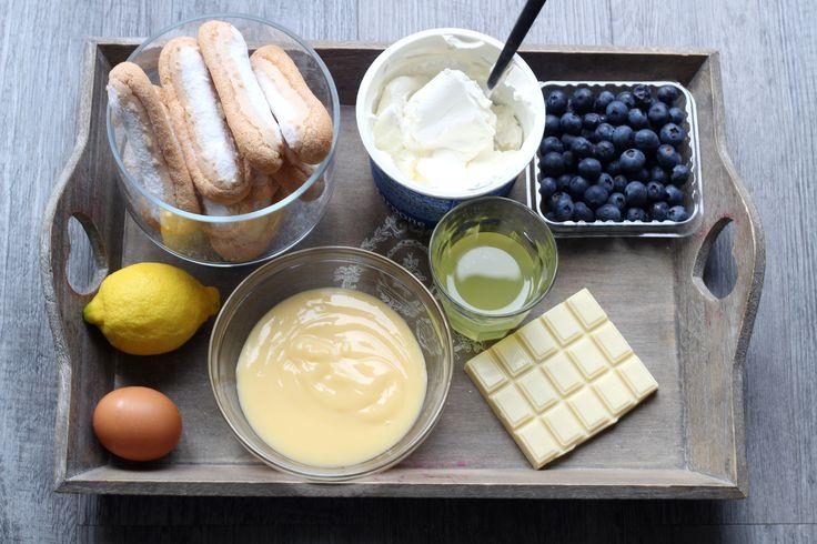 """Retrouvez la photo """"Les ingrédients"""" dans notre diaporama intitulé """"Trifle myrtilles et limoncello : les MEILLEURS DESSERTS anglais revisités !"""" sur 750g."""