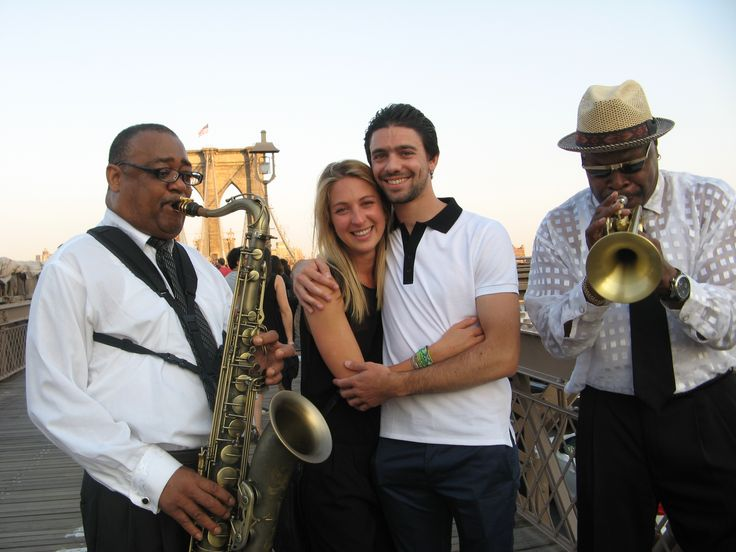 So this gentleman called me from Paris, France and wanted musicians as he proposed to his gal on the Brooklyn Bridge & we played La  Vie en Rose~~ so romantic    --  sigh ----
