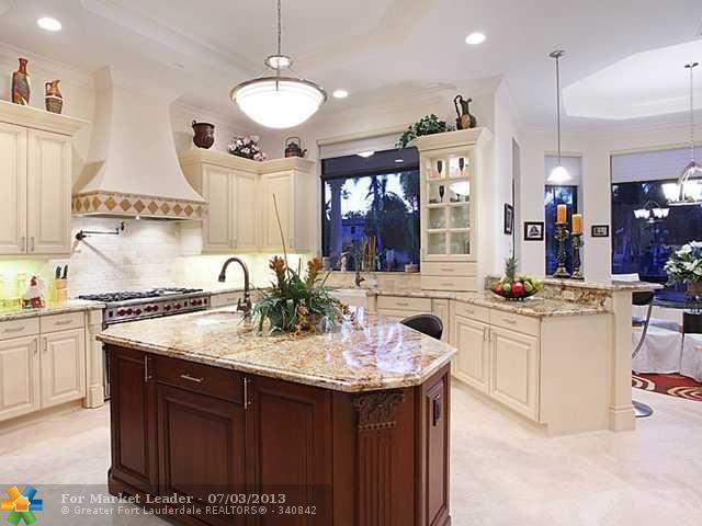 Traditional kitchen Florida Luxury home