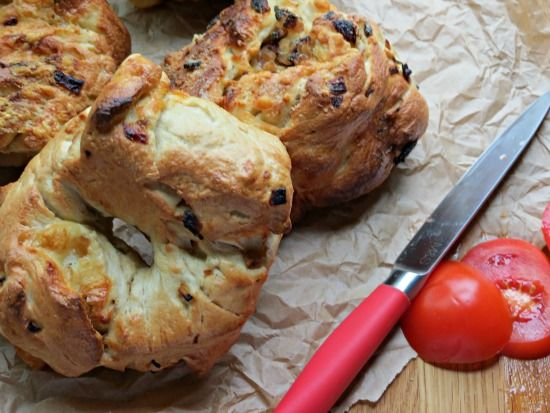 The Cake Hunter: Great British Bake Off Challenge: Cheddar Cheese & Caramelised Onion Bagels - UK Baking Blog