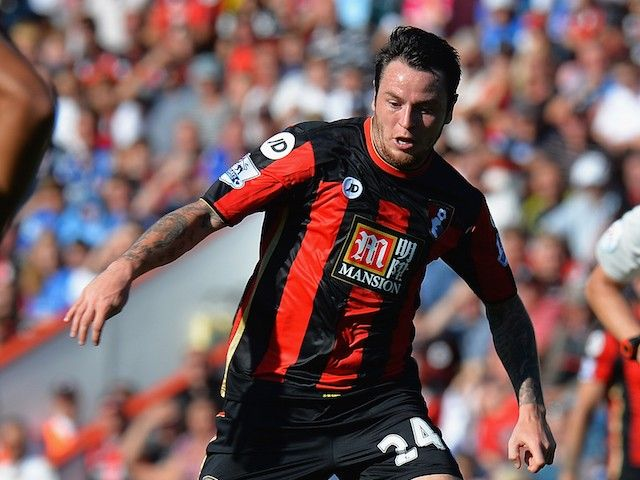 Lee Tomlin joins Bristol City on three-year deal
