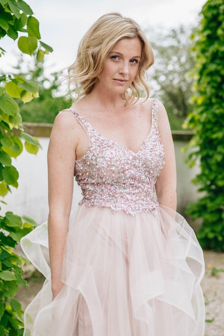 Beiges Kleid Hochzeitsgast