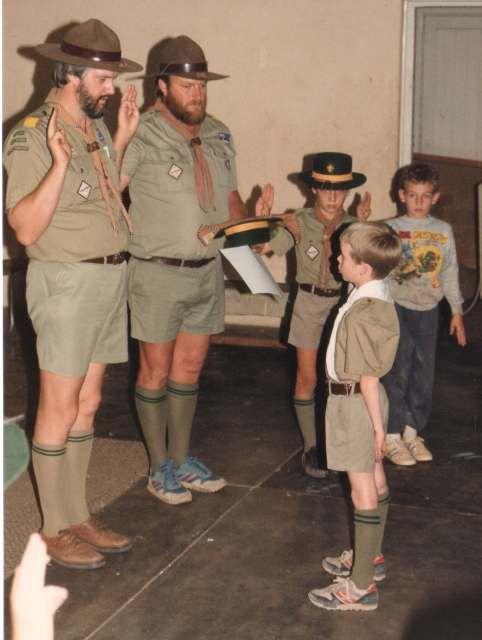 https://s-media-cache-ak0.pinimg.com/736x/4f/6f/11/4f6f11ce27440a813c3975c8a59f0ae6--cub-scout-uniform-cub-scouts.jpg