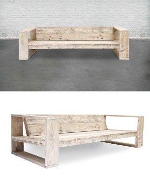 Sofá de tres plazas, fabricado en madera de andamio usada.  Acabados: madera de andamios usada y tratada para el exterior. usame.es