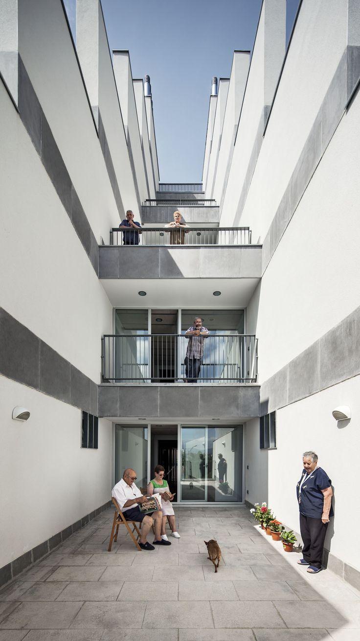 Sauquet Arquitectes > 114 Viviendas Dotacionales Públicas.