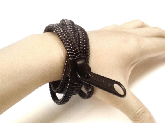 Plastic zipper bracelet
