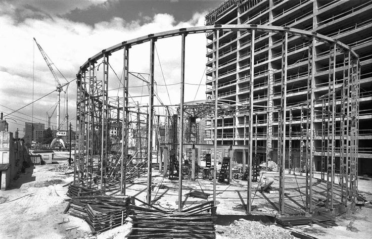 Zbyszko Siemaszko, construction of the PKO Rotunda and part of Universal Tower on the corner of Aleje Jerozolimskie and Marszałkowska Street, between 1962 and 1963, photo: National Digital Archives (NAC) - photo 16