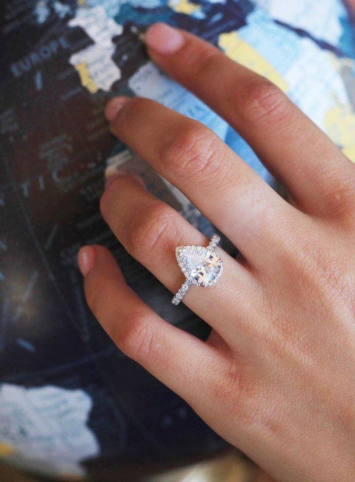 Pear cut engagement ring,pear shaped diamond engagement ring #engagmentring pearcutdiamond