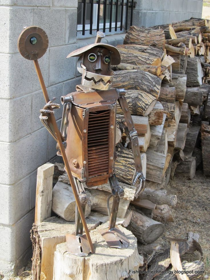 Recycled Metal Yard Art | made from recycled scrap metal pieces