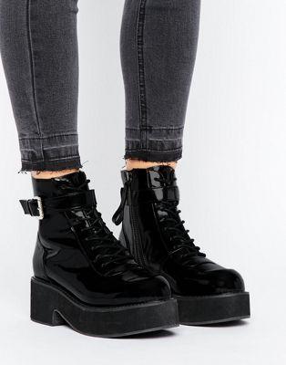 ASOS – RUTHLESS – Robuste Stiefel zum Schnüren