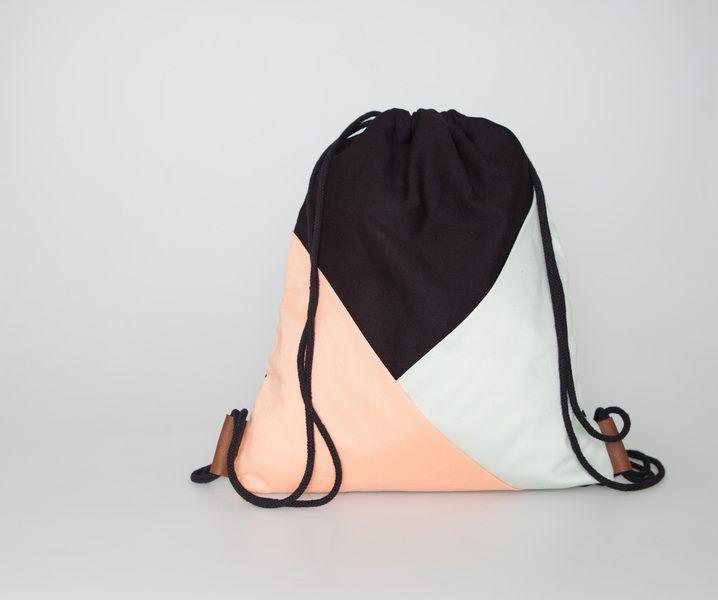 Turnbeutel mit geometrischen Taschen, mint/korall von d.tail auf DaWanda.com