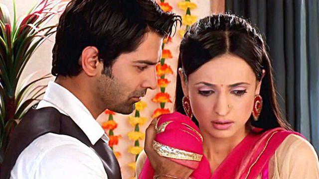 Watch Iss Pyar Ko Kya Naam Doon Episode 174 Khushi Gets A Kiss