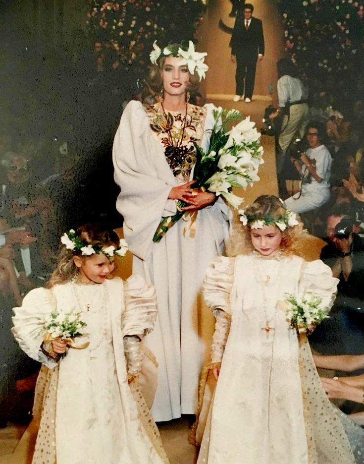 Juillet 1991.  Yves Saint Laurent haute couture automne / hiver 1991/92. Photographie de Dominique Deroche sur son compte Instagram.