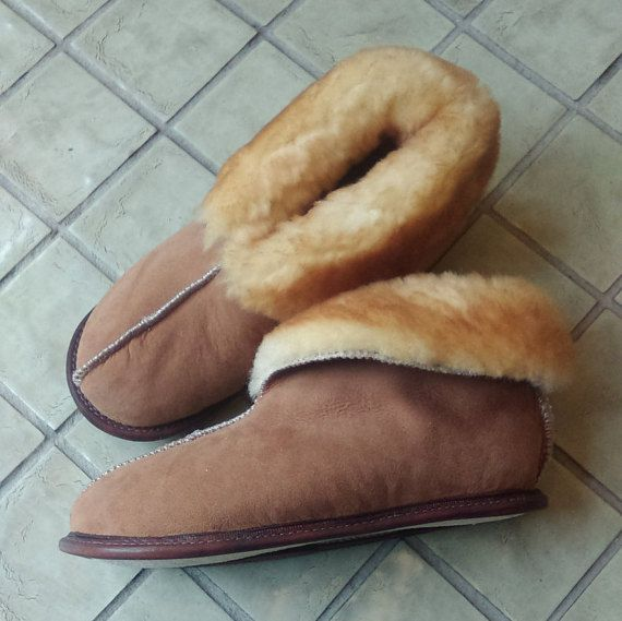 Hey, I found this really awesome Etsy listing at https://www.etsy.com/listing/253716598/mens-sheepskin-slippers
