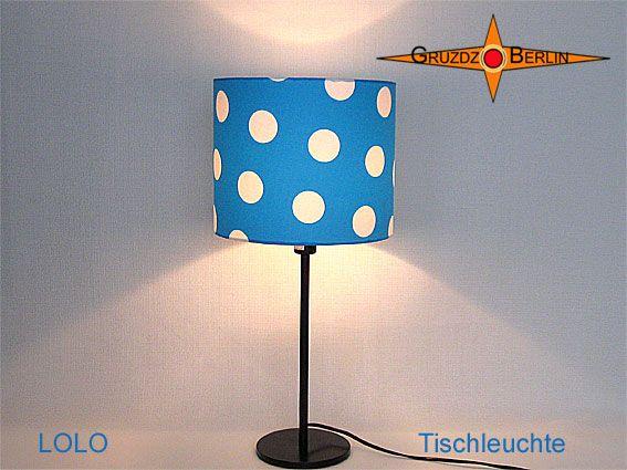 Tischleuchte LOLO Ø 25 cm Tischlampe Punkte Blau. Wie ein Stück Himmel mit weißen Kugeltupfen. Die Tischleuchte LOLO ist ein Hingucker und macht himmlische Laune.